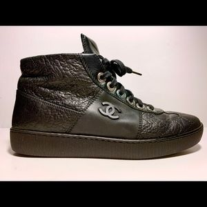 Chanel Caviar Quilted Leather CC High Sneaker 38 8